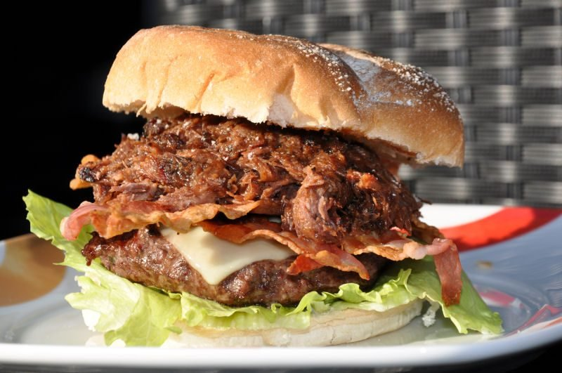 Pulled Beef Burger-BCBPBB11 800x531-Pulled Beef Burger mit Crispy Bacon
