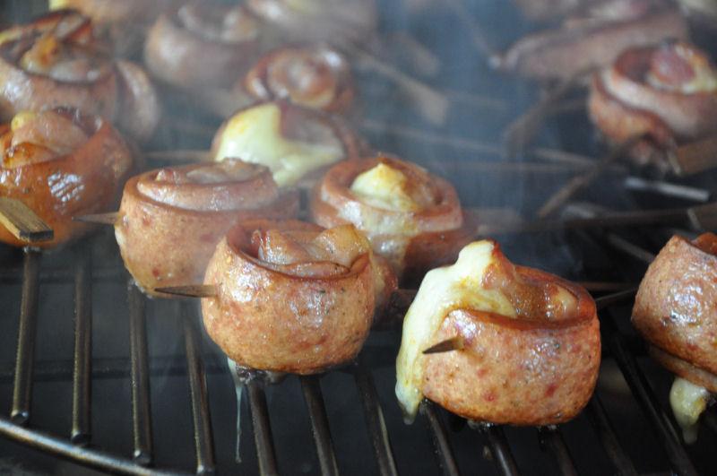 Wurstlollies Ein Tag in MeMyself's BBQ Pit mit 12 Gästen und reichlich Grillgut-MeMyself's Aussenküche-Bild06