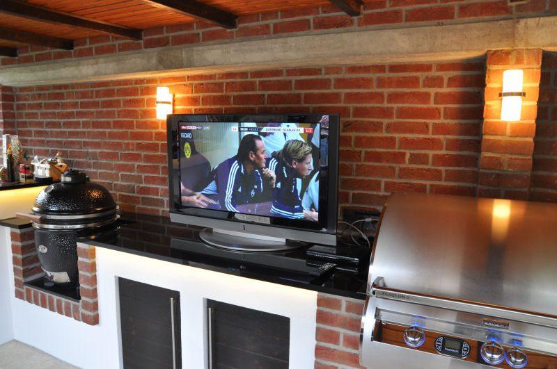 MeMyself's Aussenküche-Bild20 800x531-Ein Tag in MeMyself's BBQ Pit mit 12 Gästen und reichlich Grillgut