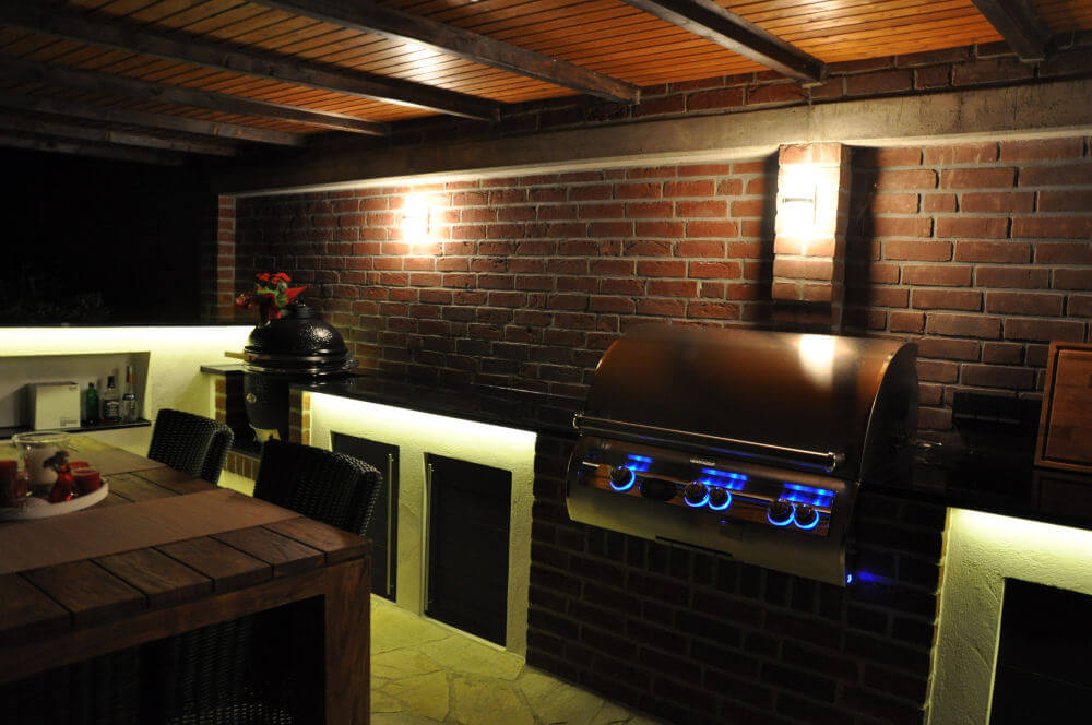 memyself 39 s aussenk che bbq pit mit monolith und firemagic gasgrill. Black Bedroom Furniture Sets. Home Design Ideas