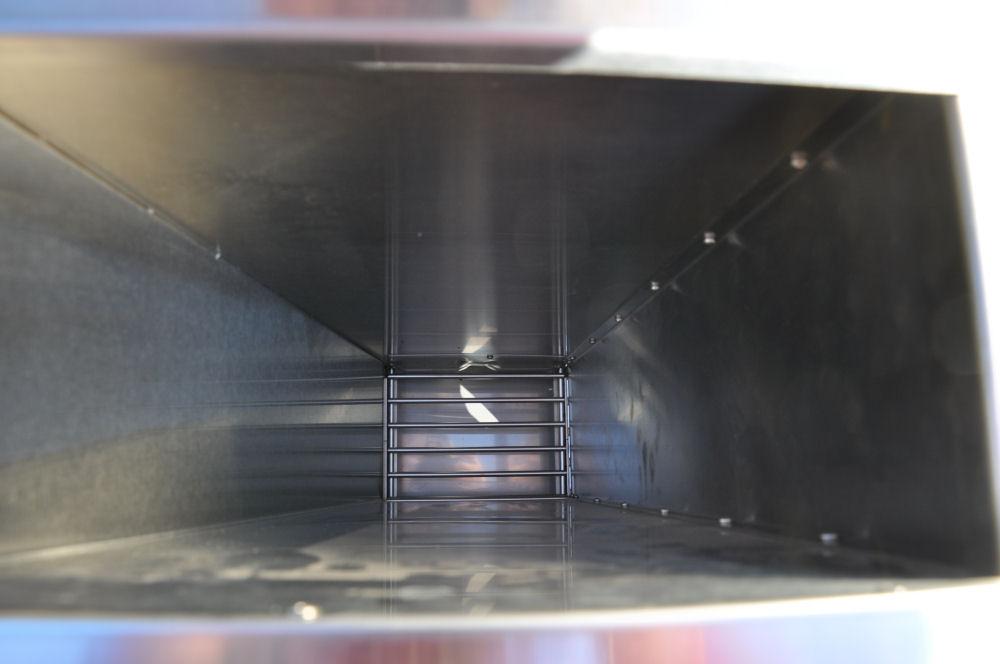 Der Holzkohleschacht Neuer Smoker für die BBQ Wiesel Niederrhein: Fire Magic Smoker 24S-SMB-Fire Magic Smoker 24S-SMB-FireMagicSmoker09