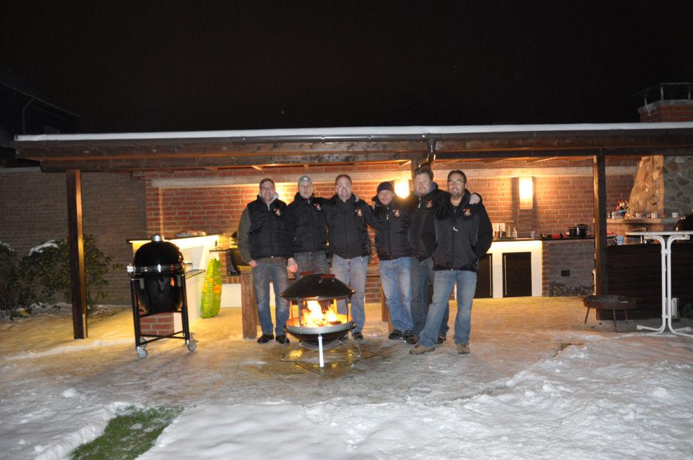 Das Team der BBQ Wiesel Niederrhein in MeMyself's BBQ Pit Radio KW-Wintergrillen02-Wintergrillen bei den BBQ Wieseln Niederrhein mit Radio KW