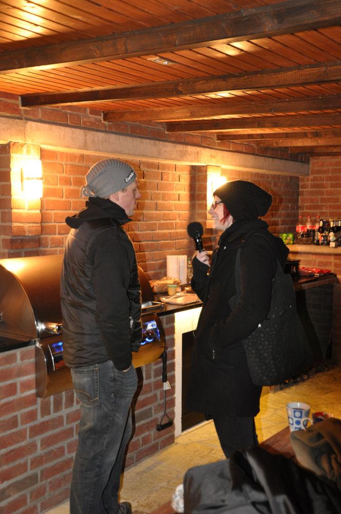 Olly72 im Interview mit Radio KW Radio KW-Wintergrillen04-Wintergrillen bei den BBQ Wieseln Niederrhein mit Radio KW