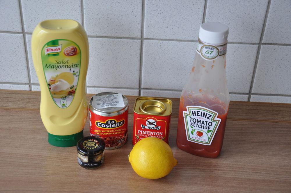 Zutaten für Mexican Southwest Sauce chipotle sauce-ChipotleSauce01-Chipotle Sauce für Burger und Sandwiches