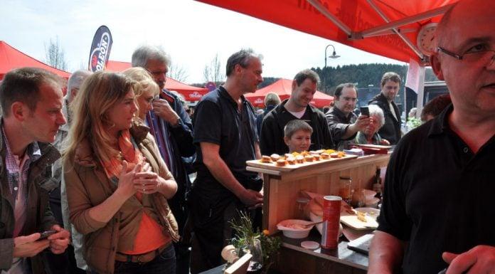 Die BBQ Wiesel Niederrhein werden Vizemeister bei der 1.Overather Grillmeisterschaft-Overather Grillmeisterschaft-OV06 696x385