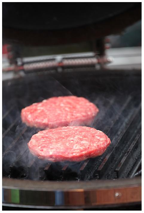 tonystone_samstag_094 tony stone-tonystone samstag 094-1.Platz bei der Tony Stone Low & Slow BBQ Competition für Burger und Steak auf Grill Grates