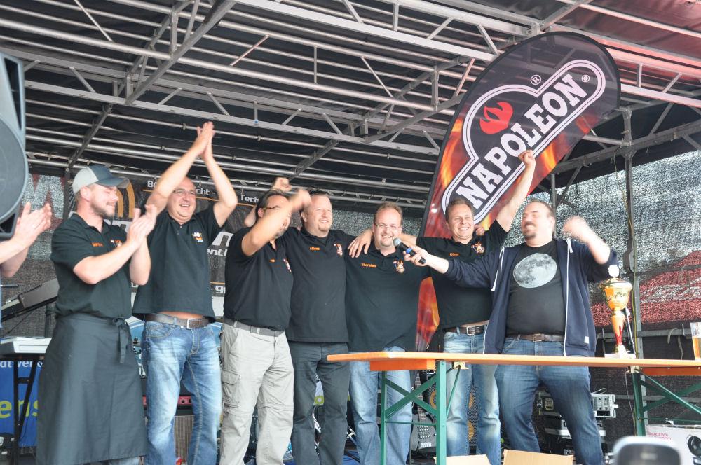 Die BBQ Wiesel Niederrhein gewinnen die Nettetaler Grillmeisterschaft Die BBQ Wiesel Niederrhein gewinnen die 2.Nettetaler Grillmeisterschaft-Nettetaler Grillmeisterschaft-NettetalerGrillmeisterschaft09