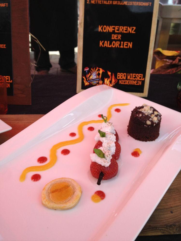 TellerbildDessert Die BBQ Wiesel Niederrhein gewinnen die 2.Nettetaler Grillmeisterschaft-Nettetaler Grillmeisterschaft-TellerbildDessert
