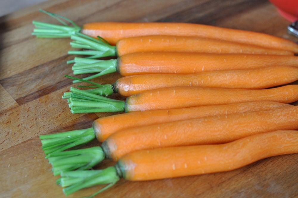 Gegrillte Möhren gegrillte möhren-GegrillteMoehren01-Gegrillte Möhren mit karamellisierter Orangenmarinade