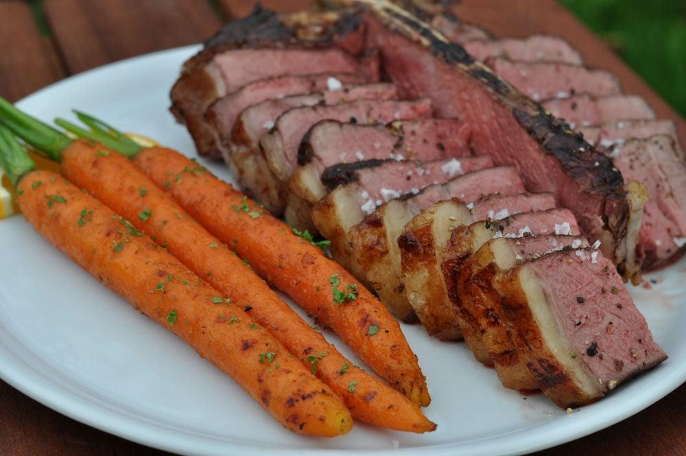 Gegrillte Möhren mit T-Bone Steak Gegrillte Möhren mit karamellisierter Orangenmarinade-gegrillte möhren-GegrillteMoehren04