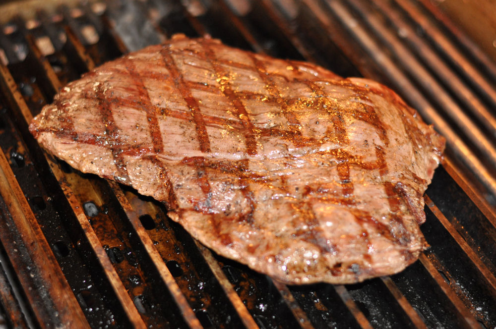 Flank Steak auf GrillGrates Das perfekte Flank Steak grillen-flank steak-Flanksteak03