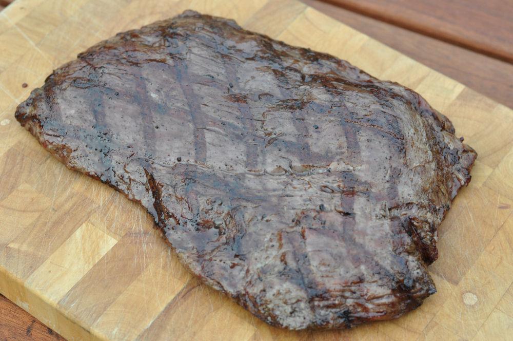 Ruhephase beim Flanksteak Flank Steak grillen – so gelingt das perfekte Flank Steak-flank steak-Flanksteak04