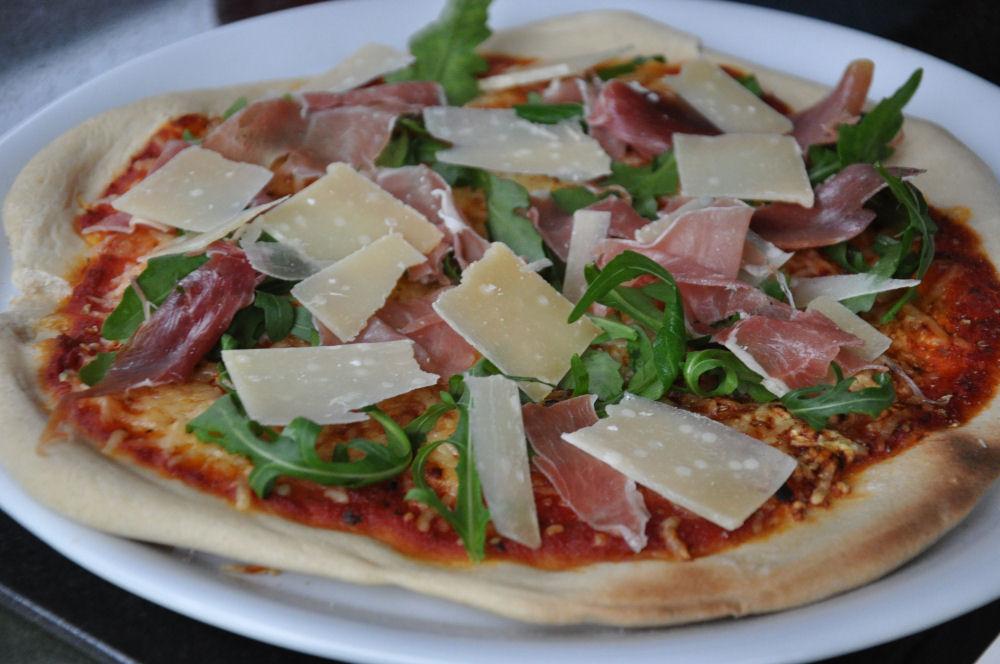 Pizza im Uuni Pellet-Pizzaofen Uuni Pellet-Pizzaofen-UuniPelletPizzaofen06-Uuni Pellet-Pizzaofen im Test