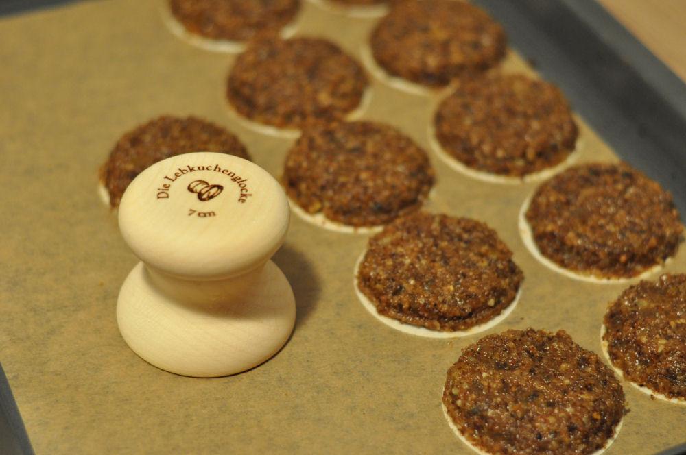 Lebkuchen mit der Lebkuchenglocke lebkuchen vom grill-Lebkuchen04-Lebkuchen vom Grill – Elisenlebkuchen