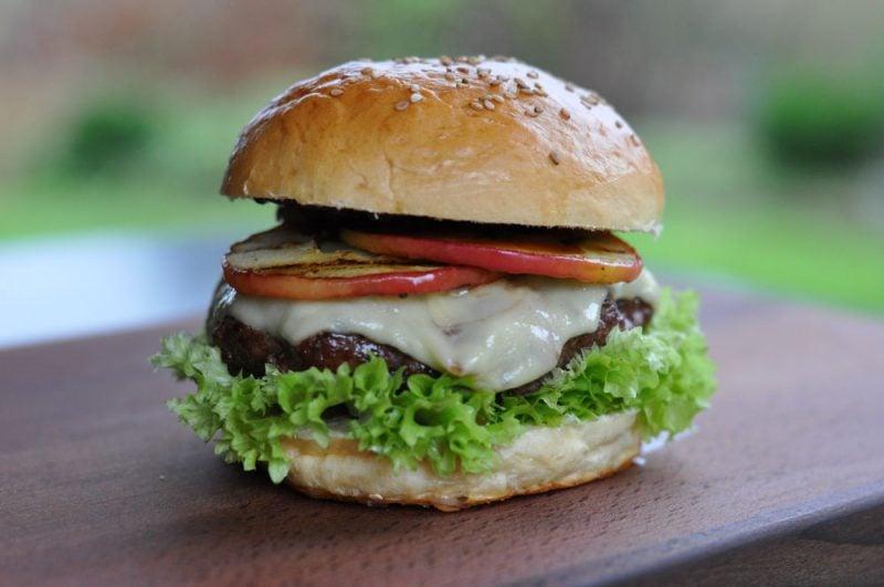 Apfel-Cheeseburger-ApfelCheeseburger 800x531-Fruchtiger Apfel-Cheeseburger