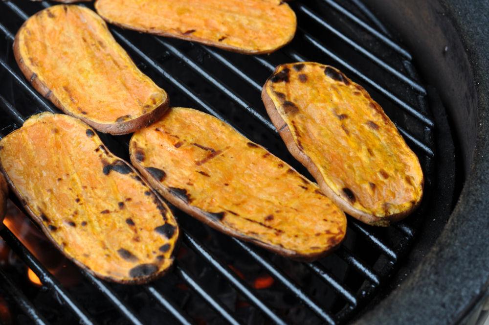 Sweet Potatoes Gegrillte Süßkartoffeln mit Olivenöl-Limetten-Marinade-Gegrillte Süßkartoffeln-GegrillteSuesskartoffeln03