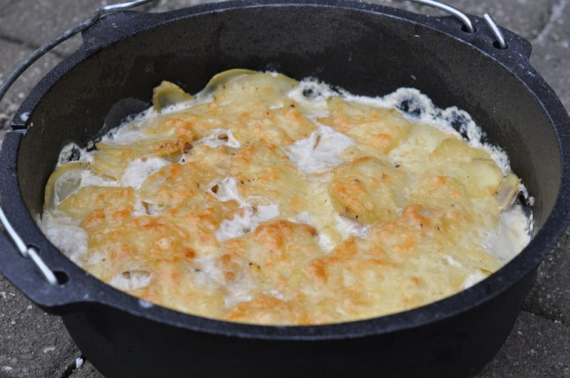 kartoffelgratin-Kartoffelgratin 800x531-Kartoffelgratin aus dem Dutch Oven