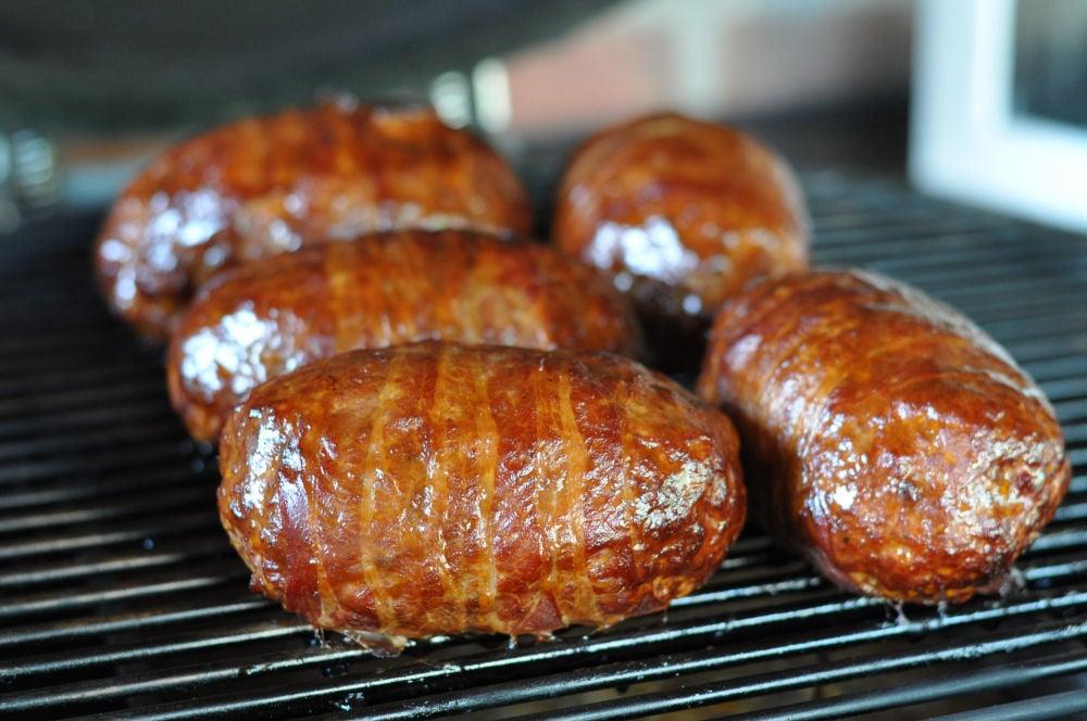 Mini Bacon Bombs mini bacon bombs-MiniBaconBombs04-Mini Bacon Bombs mit Nürnberger und Käse-Füllung