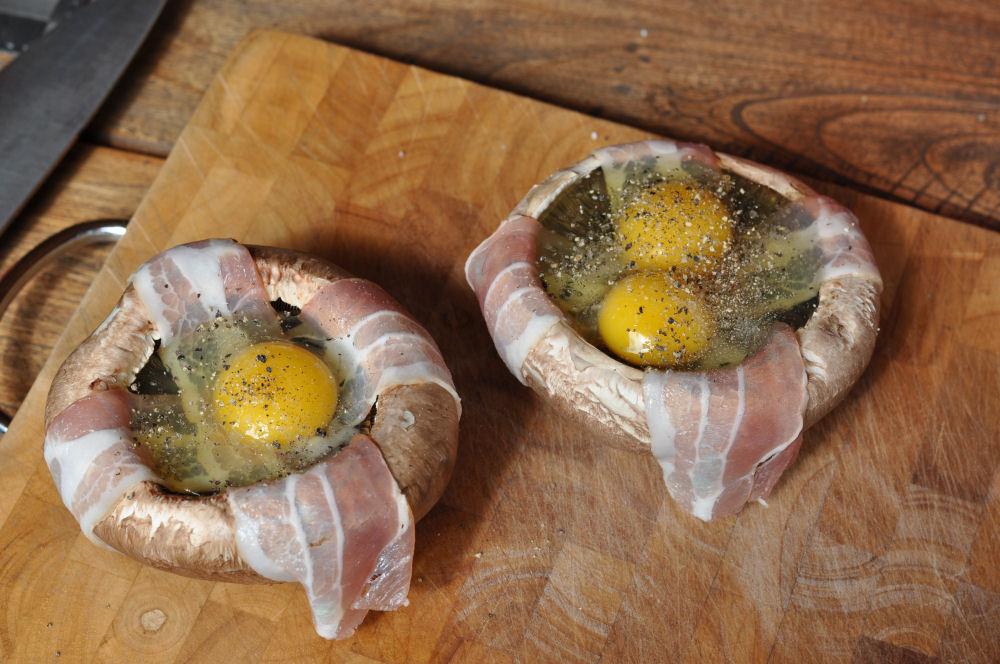 Portobello Champignons Portobello Champignons gefüllt mit Ei und Bacon-Portobello champignons-PortobelloChampignonsEi02