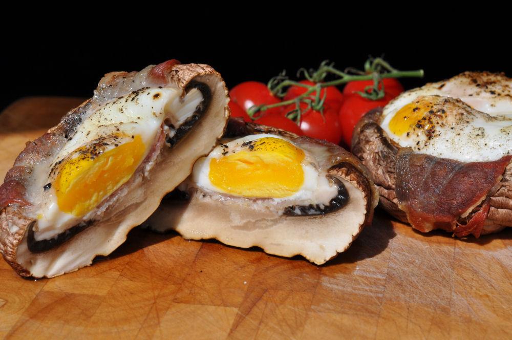 Portobello Champignons Portobello Champignons gefüllt mit Ei und Bacon-Portobello champignons-PortobelloChampignonsEi03