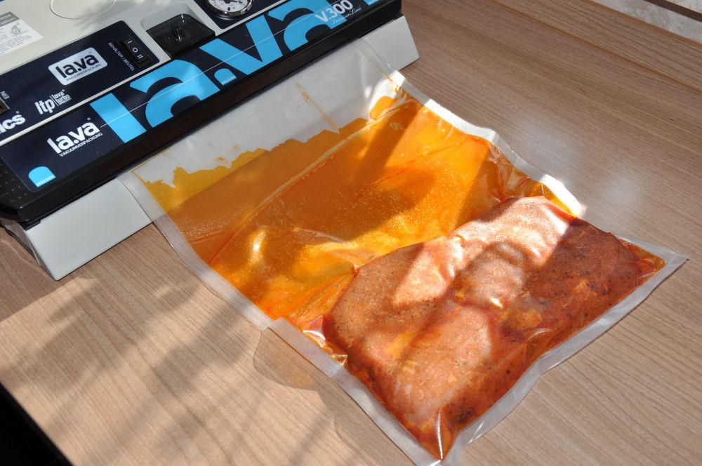 Italienische Schweinerückensteaks Caprese Schweinerückensteaks Caprese mit Tomate-Mozzarella überbacken-Schweinerückensteaks Caprese-ItalieniescheSchweinerueckensteaks02