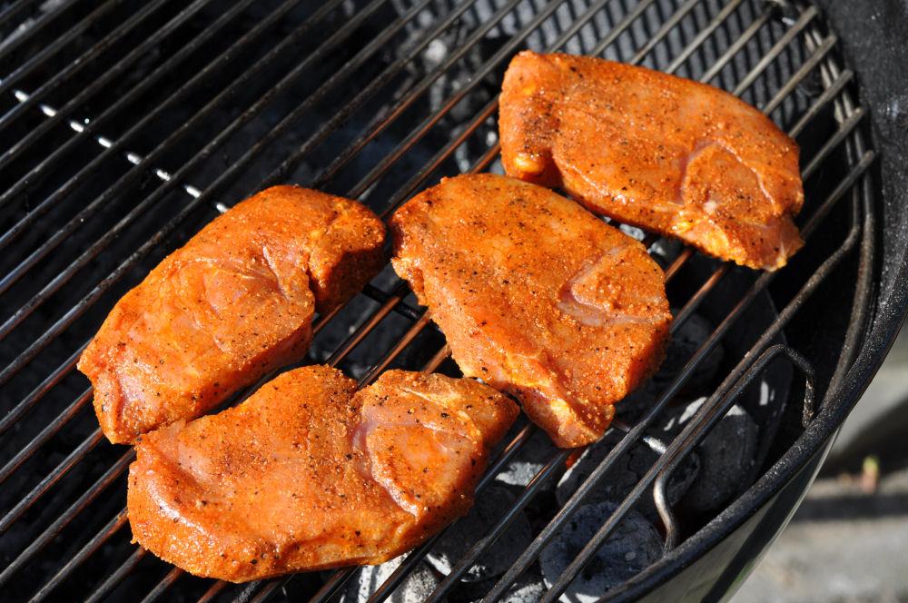 Schweinerückensteaks Schweinerückensteaks Caprese mit Tomate-Mozzarella überbacken-Schweinerückensteaks Caprese-ItalieniescheSchweinerueckensteaks03