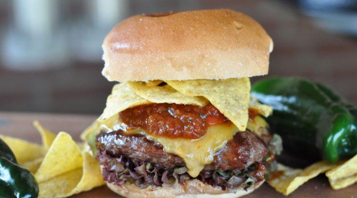 Tex-Mex Burger mit Nachos