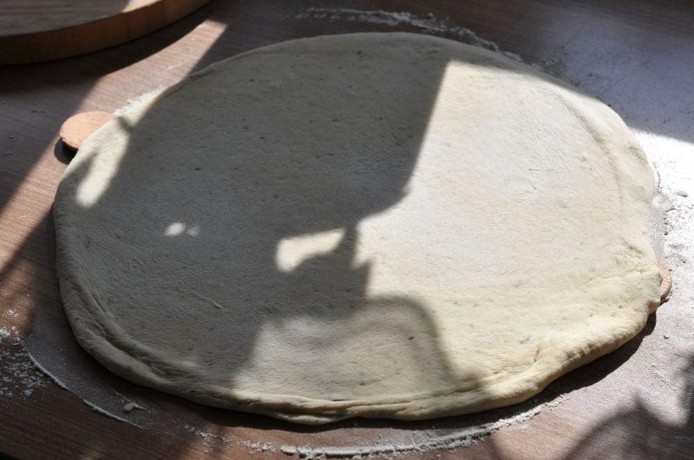 Perfekter Pizzateig Perfekter Pizzateig – So gelingt die Pizza vom Grill-perfekter pizzateig-PerfekterPizzateig06
