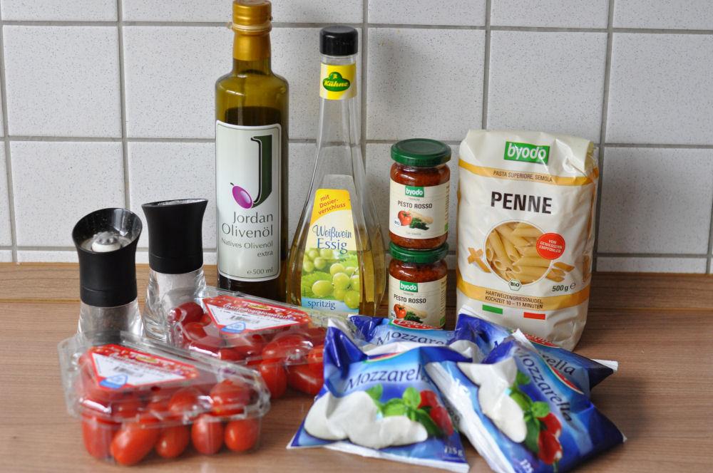 Pesto-Nudelsalat Pesto-Nudelsalat nach italienischer Art-Pesto-Nudelsalat-PestoNudelsalat01