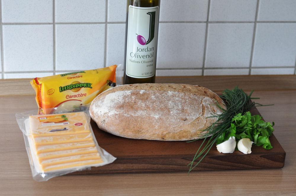 Käse-Zupfbrot Käse-Zupfbrot – Partybrot mit Kräutern und Käse-käse-zupfbrot-KaseZupfbrot01