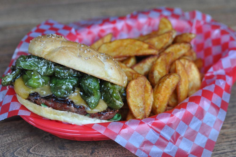 Pimiento Burger Pimiento Burger – Bratpaprika Burger-pimiento burger-PimientoBurger03