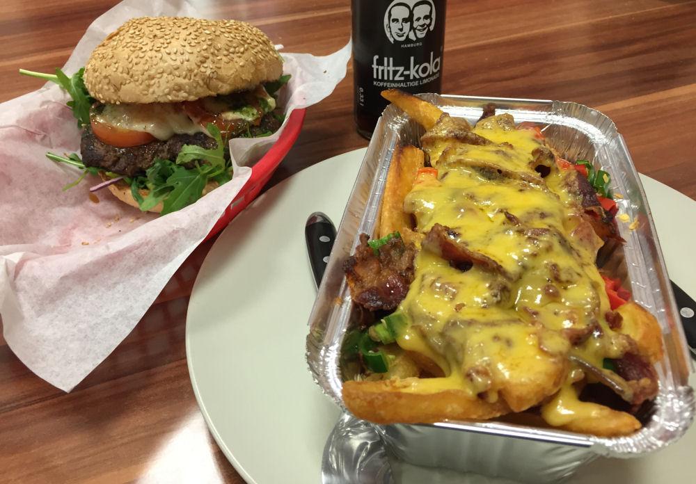 Piwy's Burger in Oberhausen Piwy's Burger-PiwysBurger01-Piwy's Burger in Oberhausen im BBQPit-Burgerbuden-Test