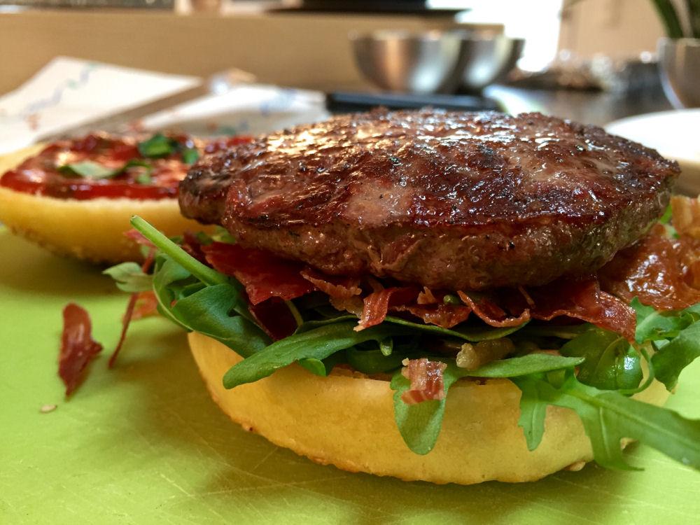 Altobelli Burger  altobelli burger-AltobelliBurger01-Altobelli Burger mit Parmaschinken & Mozzarella