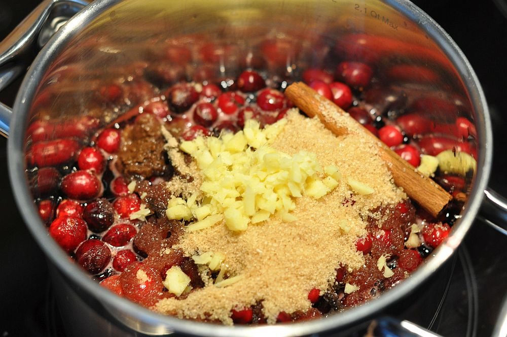Glühwein-Cranberry-Sauce Glühwein-Cranberry-Sauce-GluehweinCranberrySauce02-Glühwein-Cranberry-Sauce