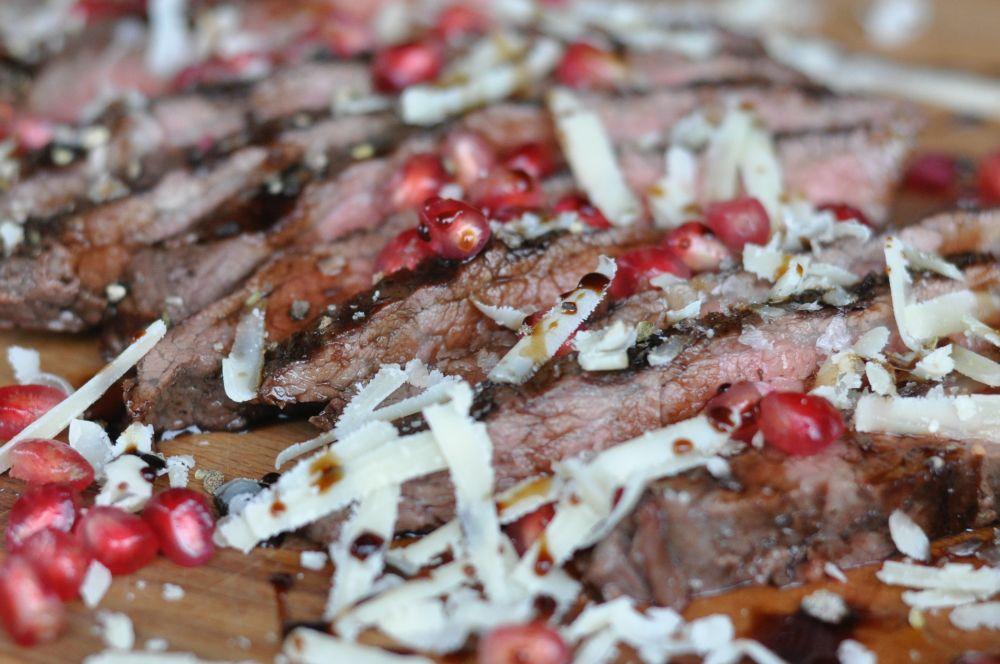 Parmesan-Granatapfel Flank Steak Parmesan-Granatapfel Flank Steak-ParmesanGranatapfelFlank04-Wildes Parmesan-Granatapfel Flank Steak