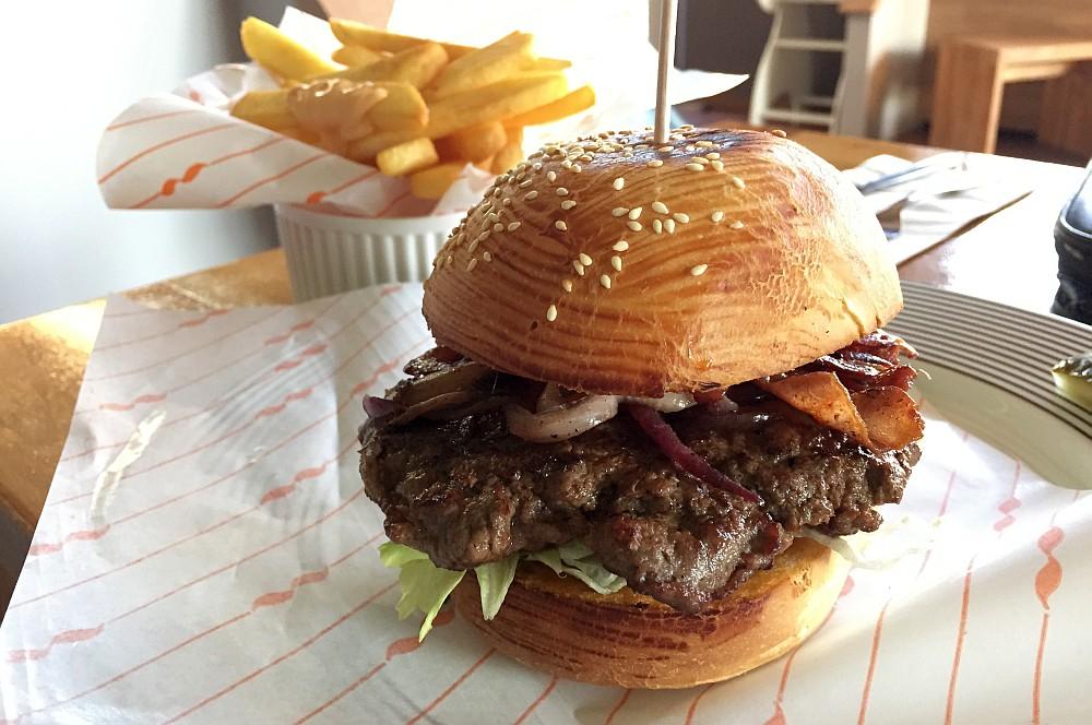 Burger Stop Düsseldorf Burger Stop Düsseldorf-Burgerstop04-Burger Stop Düsseldorf – Der Burgerladen im BBQPit-Test
