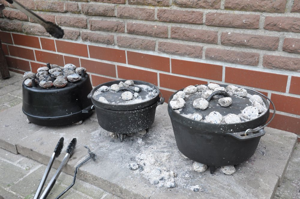 Dutch Oven Guide Der ultimative Dutch Oven Guide - Tipps, FAQ, Kaufberatung-dutch oven-FireFoodDutchOvenShooting02