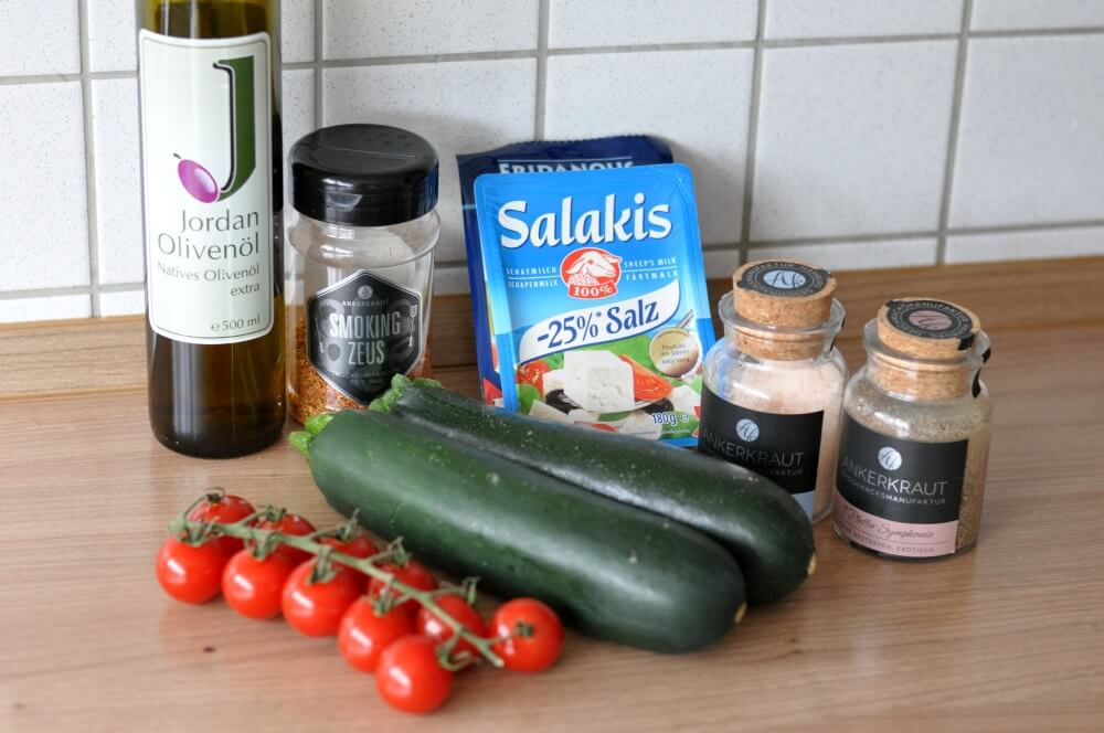 Feta-Zucchinipäckchen Zucchini-Fetapäckchen-FetaZucchinipaeckchen01-Zucchini-Fetapäckchen mit Smoking Zeus Rub