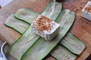 Zucchini-Fetapäckchen Zucchini-Fetapäckchen-FetaZucchinipaeckchen04 300x199-Zucchini-Fetapäckchen mit Smoking Zeus Rub
