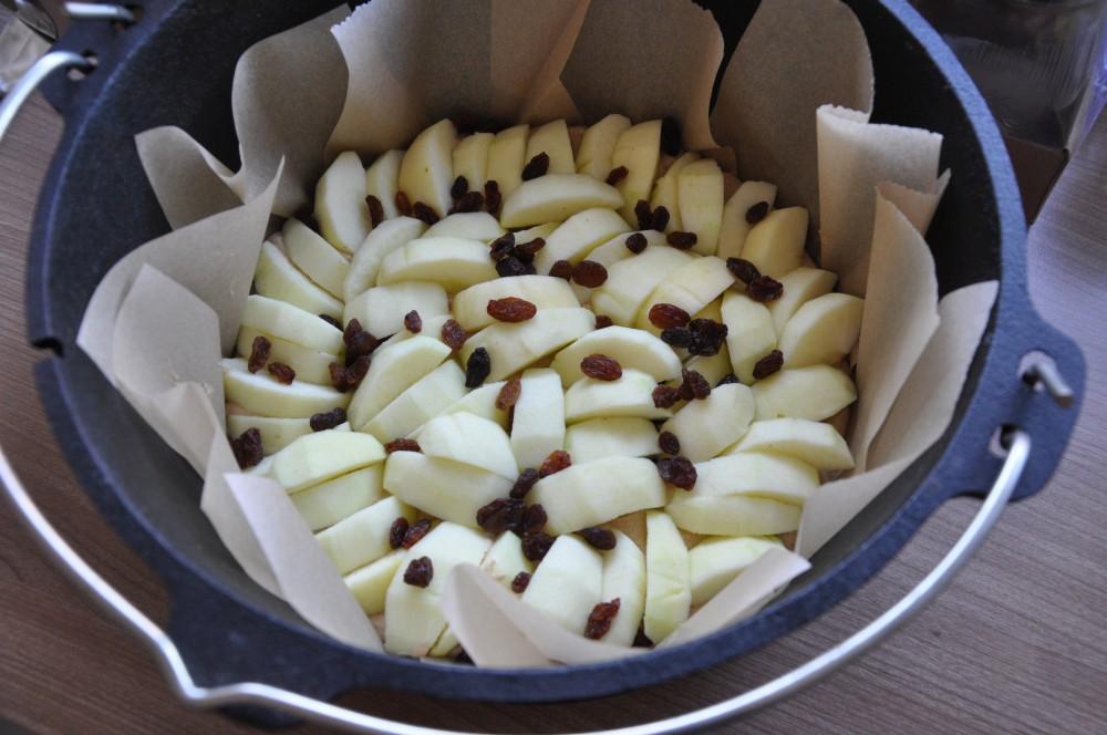Apfelkuchen aus dem Dutch Oven apfelkuchen aus dem dutch oven-ApelkuchenDutchOven02-Apfelkuchen aus dem Dutch Oven
