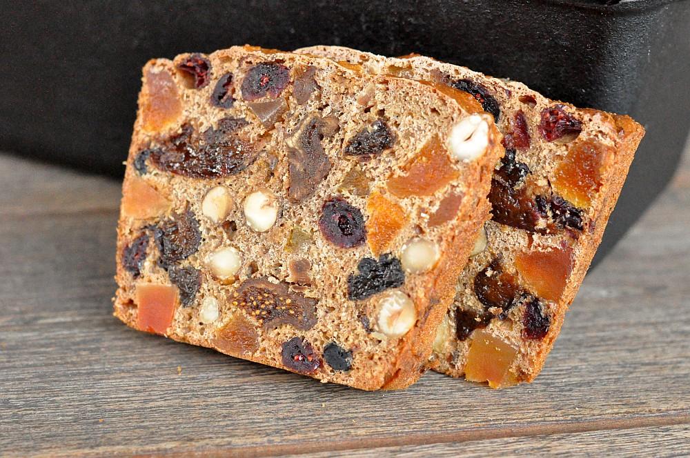 Weihnachtliches Früchtebrot aus der Petromax Kastenform Weihnachtliches Früchtebrot mit Haselnüssen-früchtebrot-Fruechtebrot06