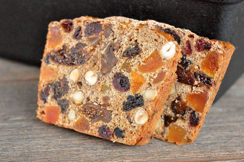 früchtebrot-WeihnachtlichesFruechtebrot 800x531-Weihnachtliches Früchtebrot mit Haselnüssen