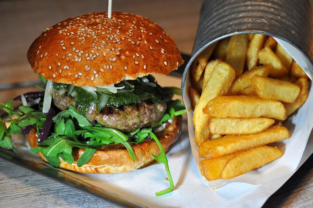 Italian Burger bei den Burger Nerds Die Burger Nerds in Duisburg im BBQPit-Burgerbuden-Test--BurgerNerdsDuisburg01