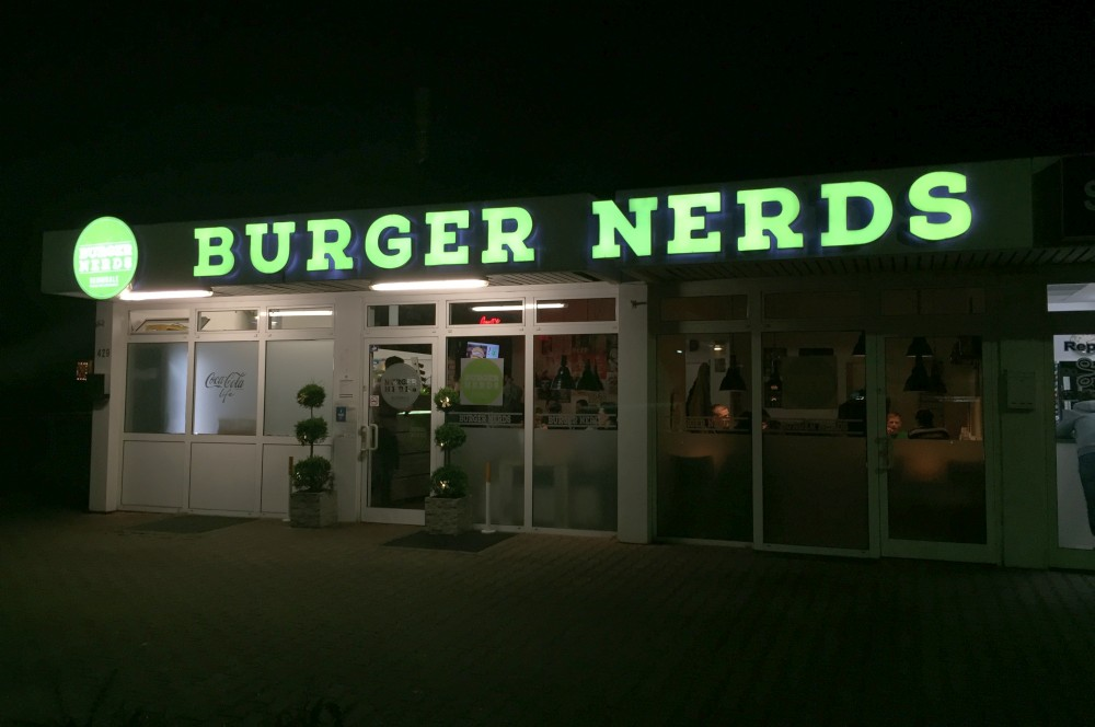 Burger Nerds Duisburg Die Burger Nerds in Duisburg im BBQPit-Burgerbuden-Test--BurgerNerdsDuisburg05