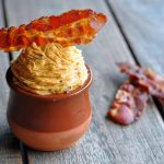 Bacon Butter bacon butter-SmokyMapleBaconButter 150x150-Smoky Maple Bacon Butter – Kräuterbutter war gestern!