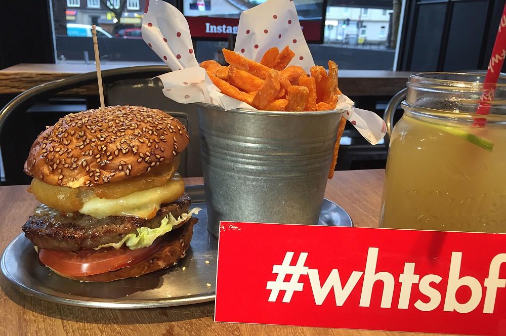 What's Beef Burgers Düsseldorf what's beef-WhatsBeefDuesseldorf03-What's Beef Burgers in Düsseldorf im BBQPit-Burgerbuden-Test