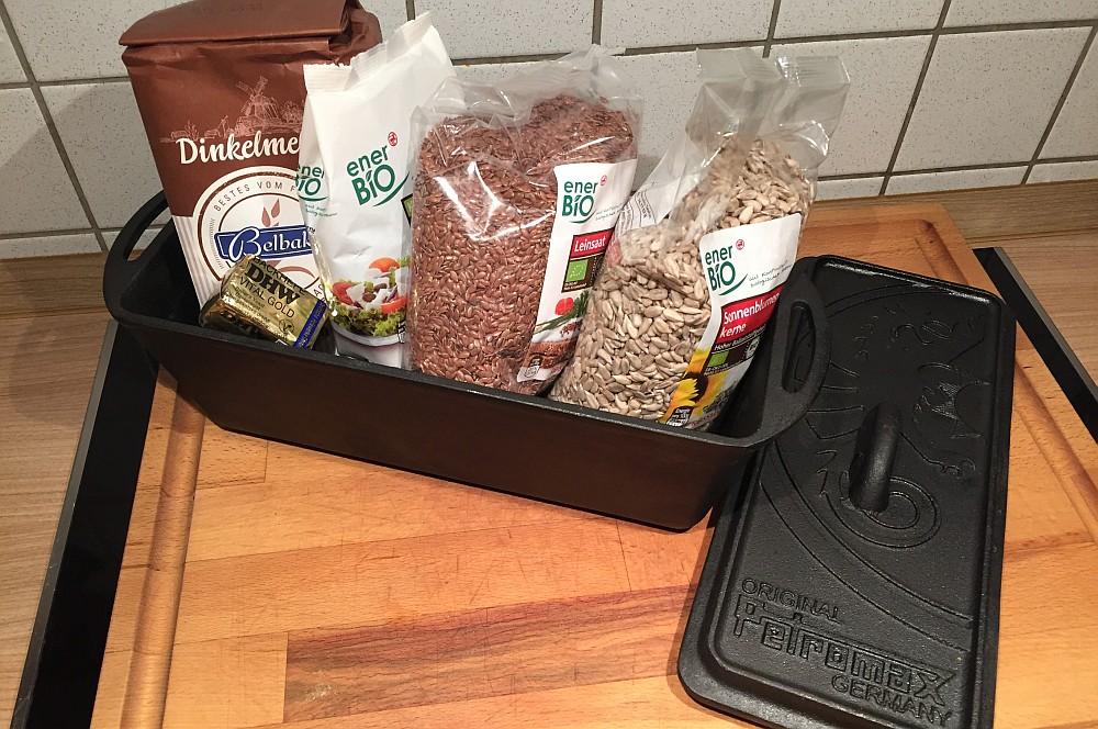 Zutaten für Vollkorn-Brot Schnelles Vollkornbrot innerhalb von einer Stunde!-vollkornbrot-SchnellesVollkornbrot01
