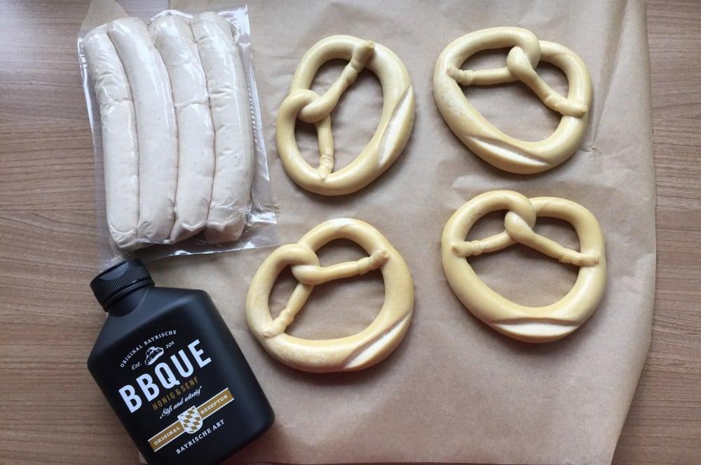 Bratwurst-Brezel-Spiesse bratwurst-brezel-spieße-BratwurstBrezelSpiesse01-Bratwurst-Brezel-Spieße