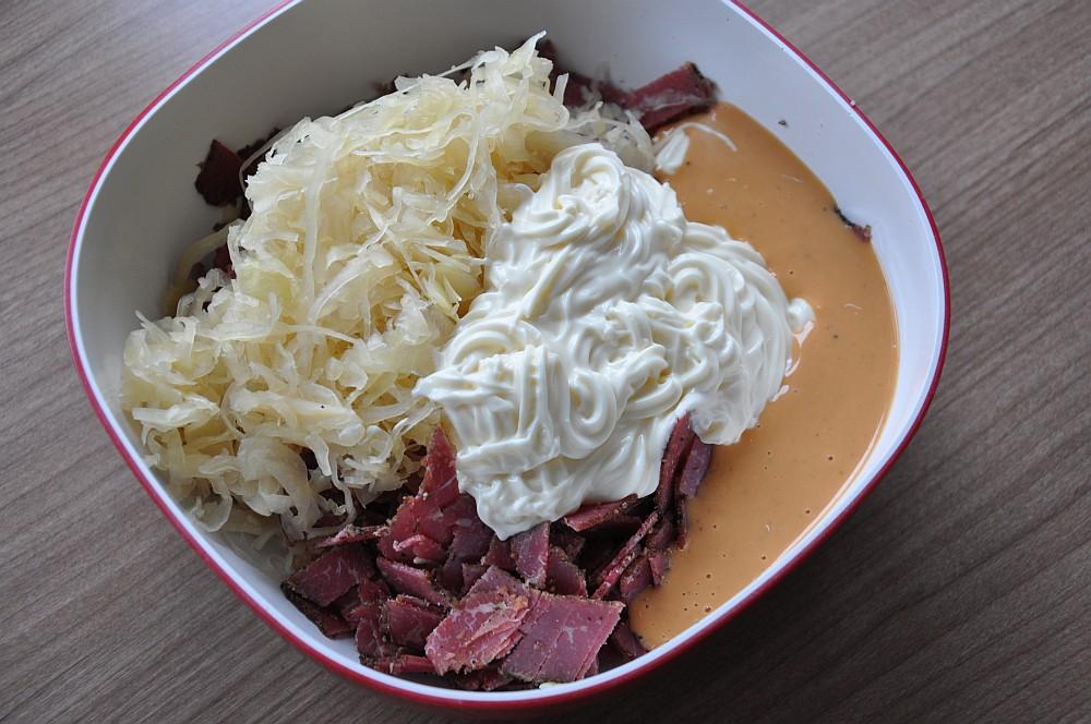 Reuben-Dip reuben-dip-ReubenDipPastrami03-Reuben-Dip mit Pastrami, Sauerkraut und Käse