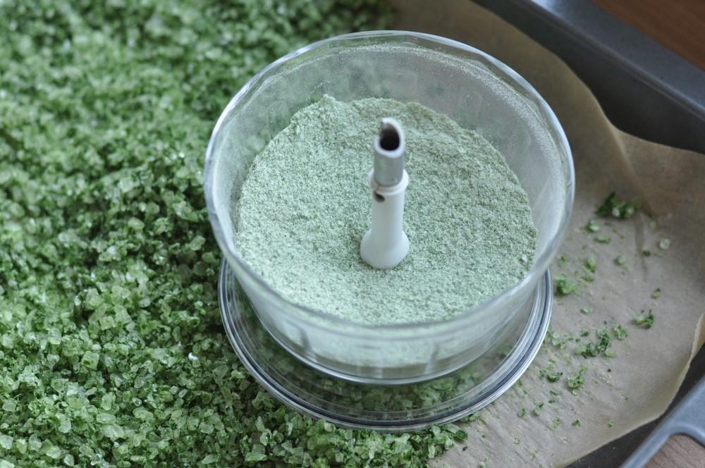 Kräutersalz Bärlauch-Salz – Kräutersalz selber machen-bärlauch-salz-Baerlauch Salz Kraeutersalz selber machen 04